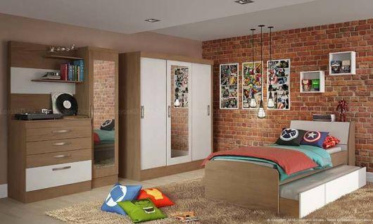 papel de parede de tijolinho no quarto de menino