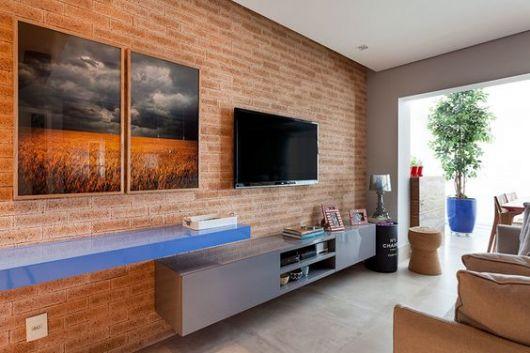 papel de parede de tijolinho rústico sala de tv