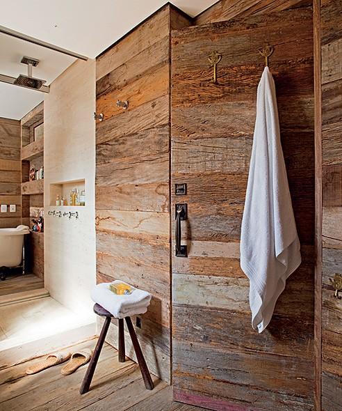 parede de madeira de demolição bonita