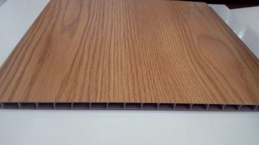 parede de madeira falsa de pvc