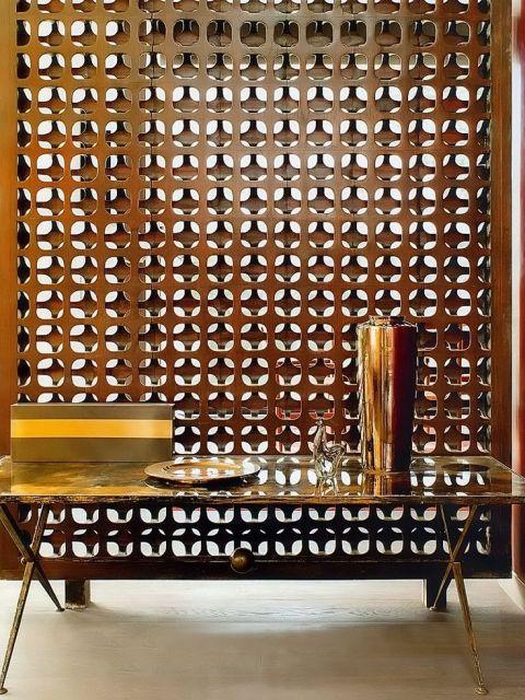 parede de madeira vazada estilosa