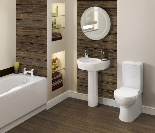 parede de madeira rústica no banheiro