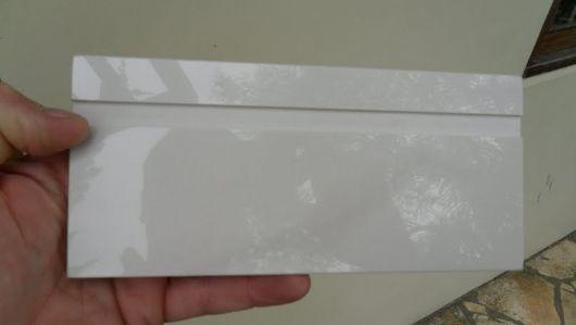 rodapé porcelanato branco