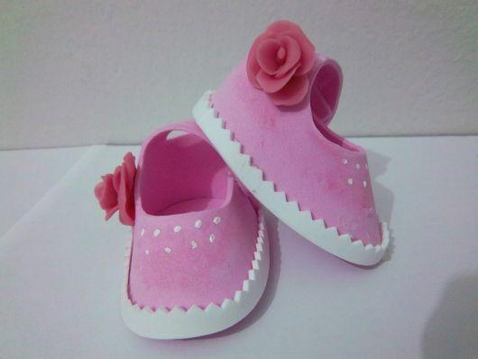 sapatinho de eva rosa com flor