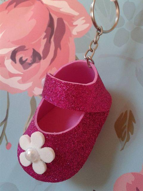 chaveiro de sapatinho de eva rosa