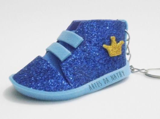 sapatinho de EVA glitter azul