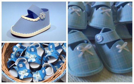 sapatinhos de EVA azuis