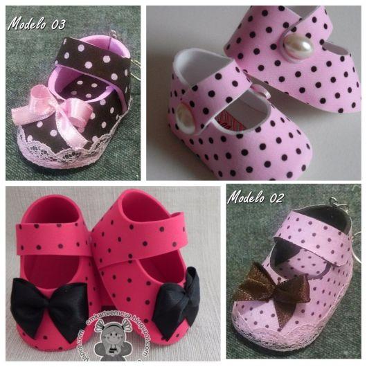 sapatinhos de EVA rosa poás
