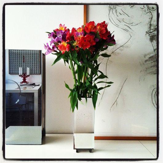 vaso espelhado com flor quadrado