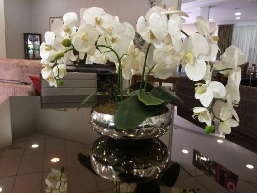 vaso espelhado redondo com flor