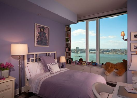 Modelo de quarto feminino na cor roxinho claro.