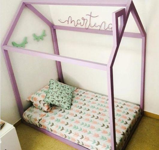 cama roxa
