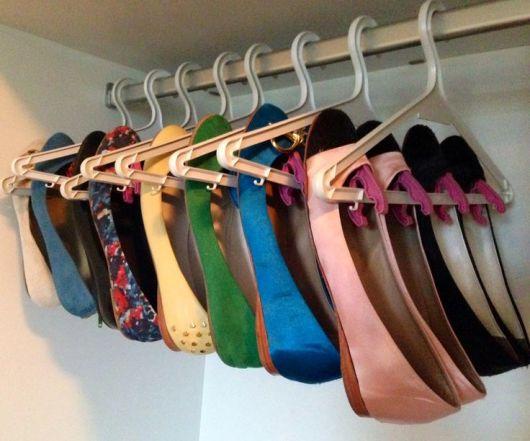 como organizar guarda-roupa sapatos