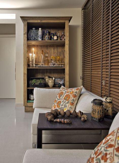estante de madeira decoração