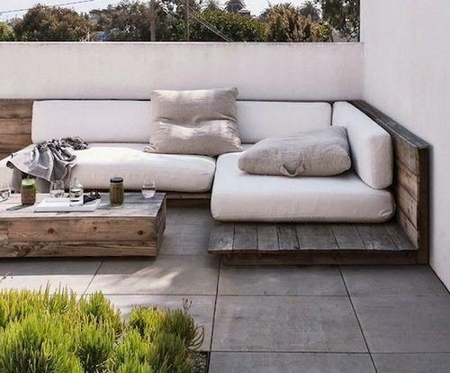 sofá simples varanda