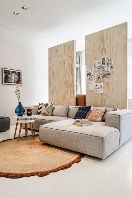 sofá com chaise e braços