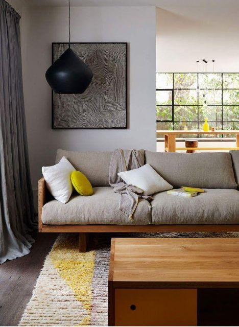 sofá com almofada