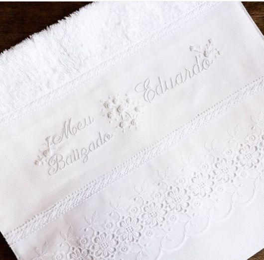 toalha branca batizado