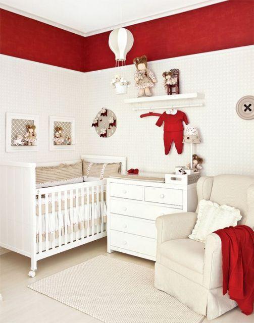 quarto de bebê feminino vermelho