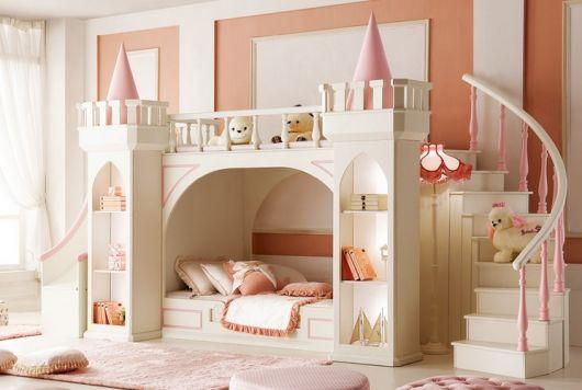 camas com escorregador castelo