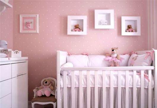 quarto rosa pequeno