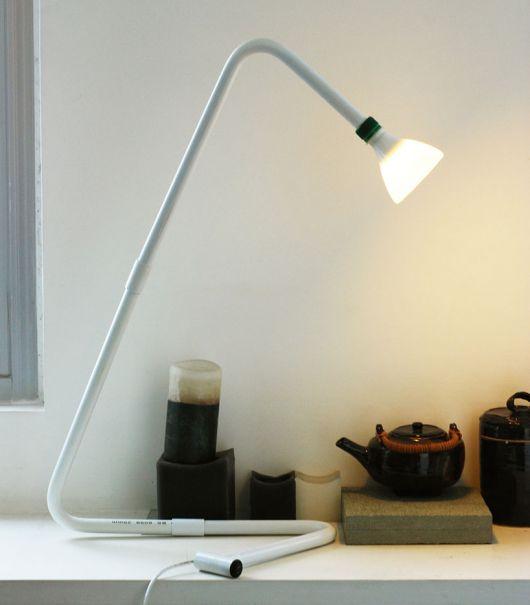 luminária para leitura de mesa