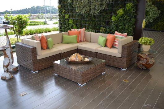sofá de vime para jardim