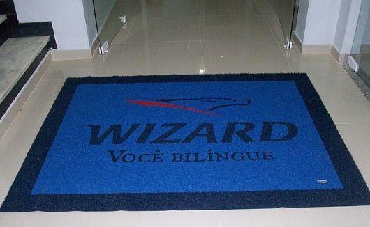 tapetes de entrada com a logo da empresa