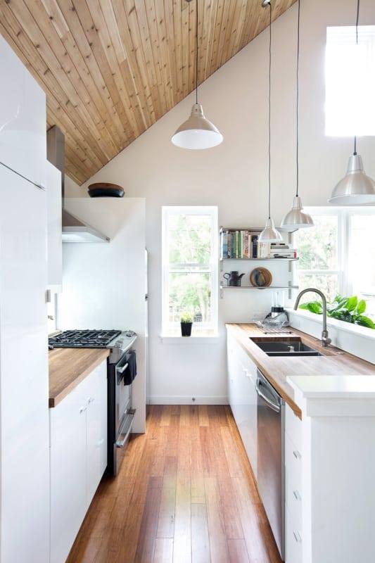 Cozinha corredor com vitrô