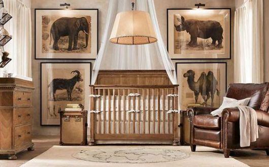 Decoração de quarto de bebê masculino vintage, com fotos de animais.