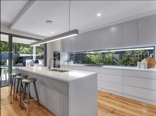 Janelas modernas de vidro para cozinha 1