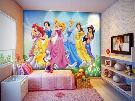 Papel de Parede com seis princesas da Disney.