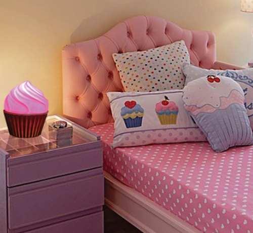 almofadas divertidas para quarto feminino