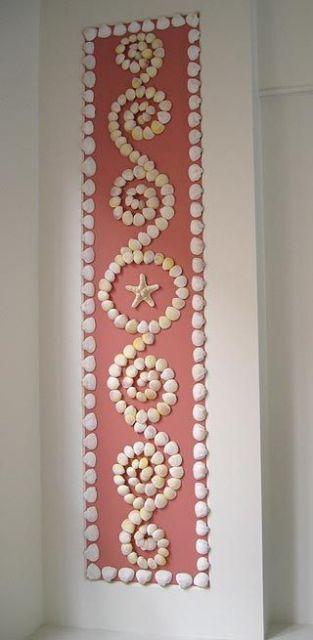 Tecido decorado com conchas de biscuit.