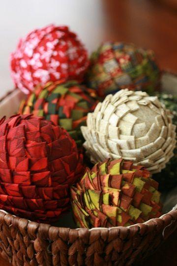 Bolas de tecido feitas com isopor.