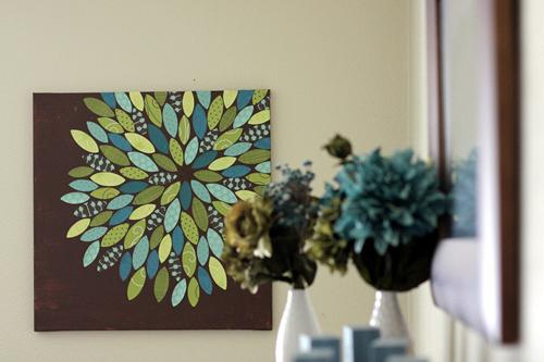 Quadro decorativo feito com isopor e tecido.