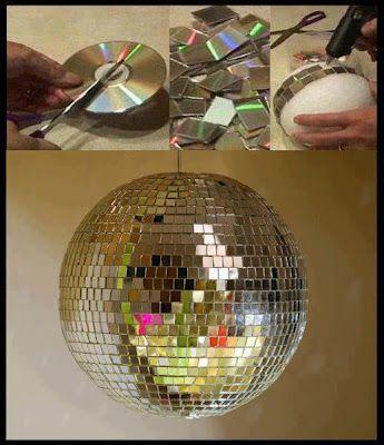 Globo feito com bolinha de isopor e cd.