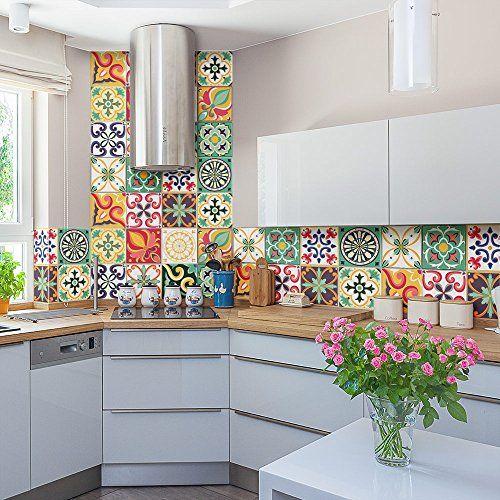 Azulejo colorido retrô na cozinha.