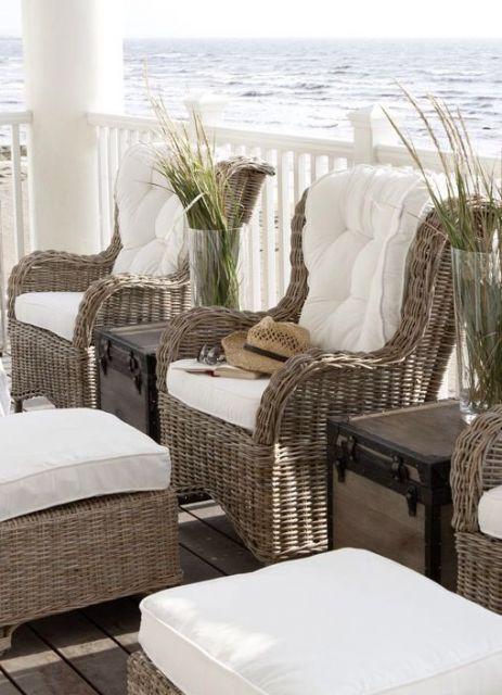 Cadeiras de vime para varanda.