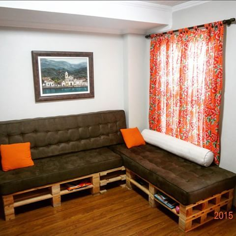 sala com cortina de chita