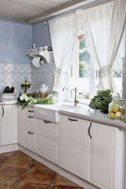 cortina branca cozinha