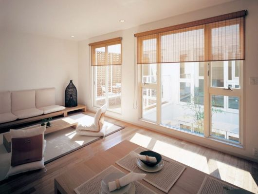 cortinas japonesas em sala de descanso