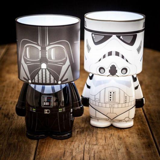 Luminárias Star Wars em branco e preta.