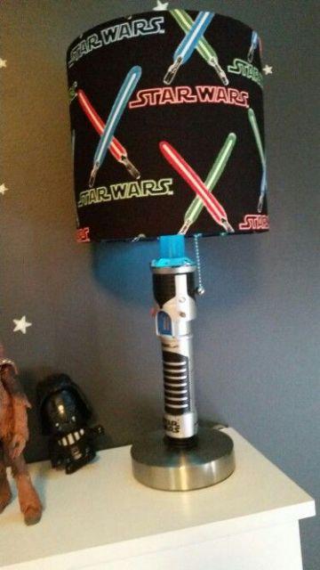 Abajur preto Star Wars.