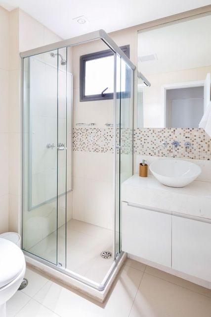 banheiro simples e pequeno