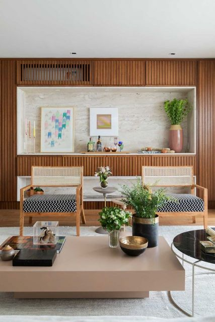 Quadro minimalista na sala de estar.