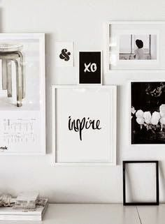 Quadros minimalistas com palavras.