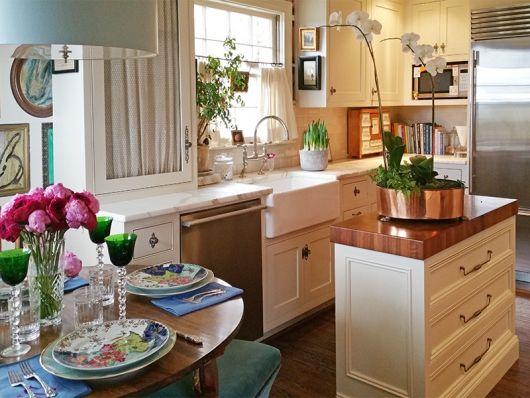 decoração com plantas com vasos na cozinha