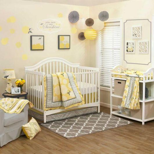 quarto de bebê unissex amarelo e cinza