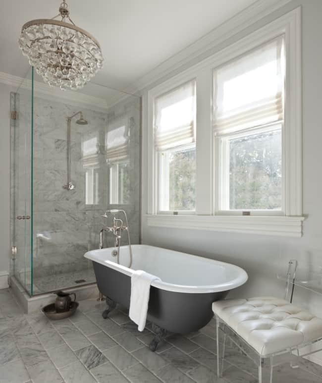 Lustre pendente de cristais para banheiro clássico